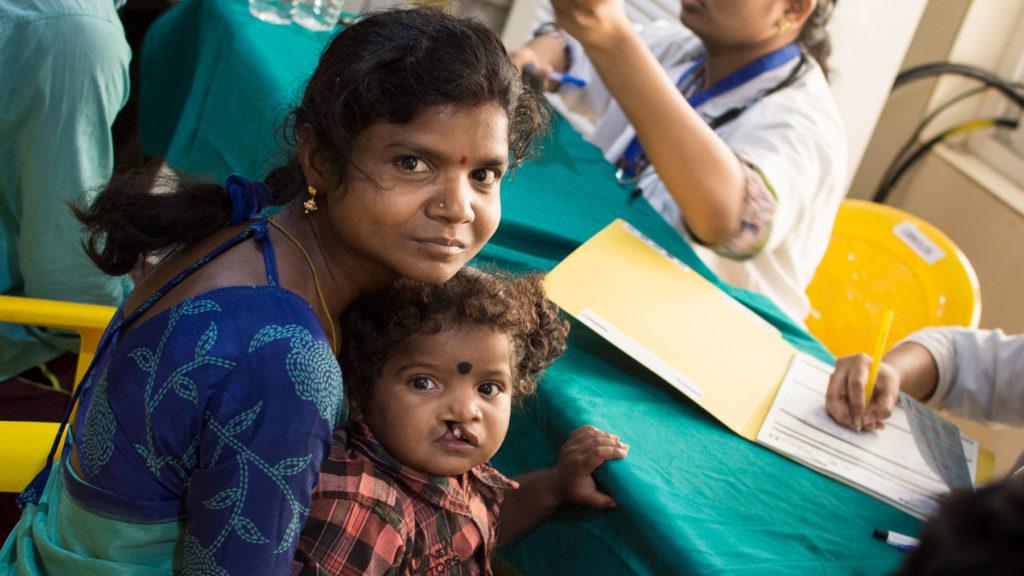 Martin Forsling har varit med på Operation Smiles medicinska uppdrag i Indien där han har sett hjälparbetet med operationer på plats. Foto: Operation Smile