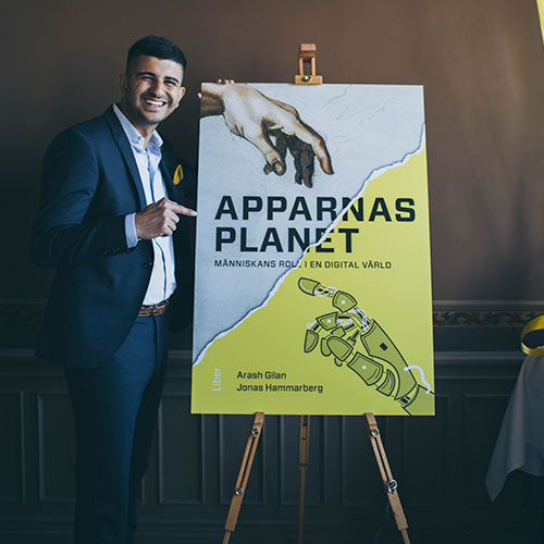 Arash Gilan och boken Apparnas planet