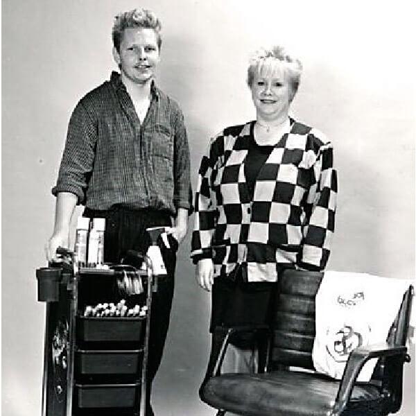 Rickards föräldrar i frisersalong