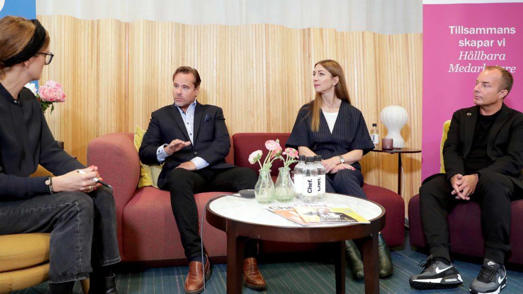 Synsams vd Håkan Lundstedt, Marie Fristedt expert på medarbetarhälsa hos Euro Accident och Fredrik Bengtsson leg psykolog och organisationskonsult i Chef Live om stress på jobbet. Foto: Karina Ljungdahl