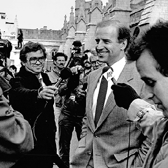 Biden möter pressen 1988.