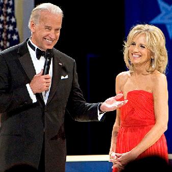 Joe Biden med Jill Biden, hans fru sedan 1977. När Biden blev vicepresident 2008 blev hon därmed USA:s andra dam.