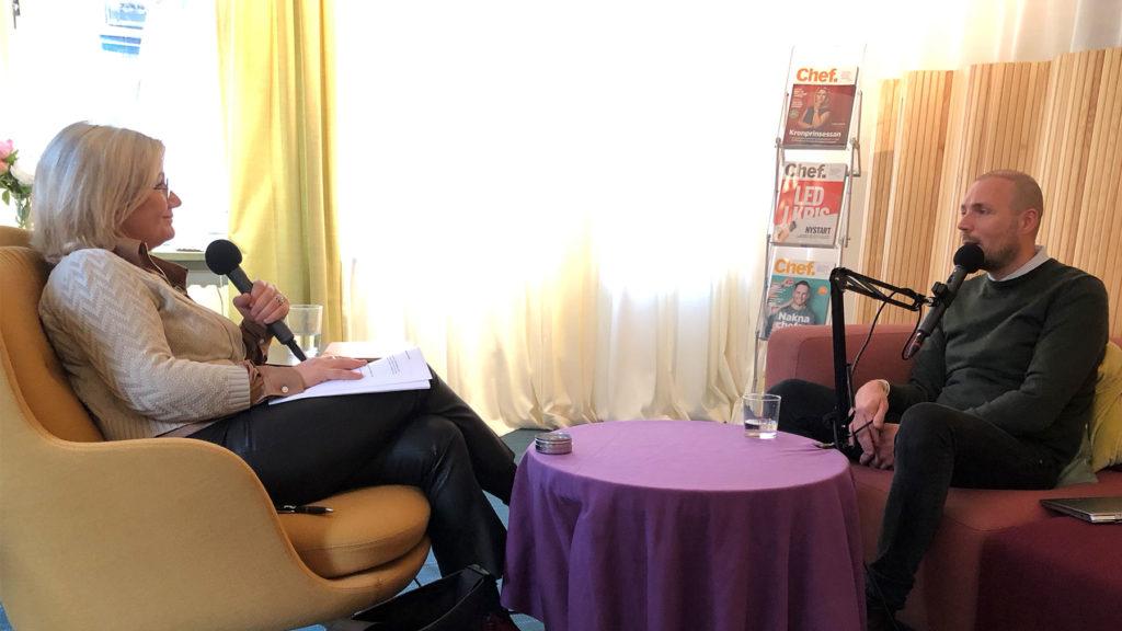 Jarno Vanhatapio och Cissi Elwin under inspelningen av Chef dilemma