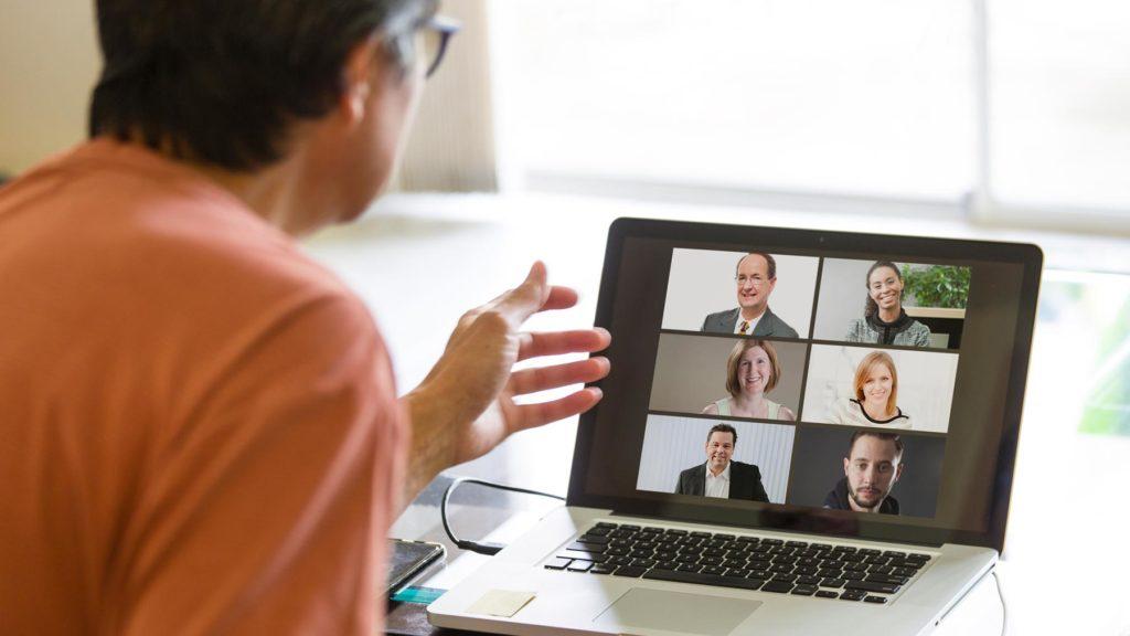 7 personer i videosamtal