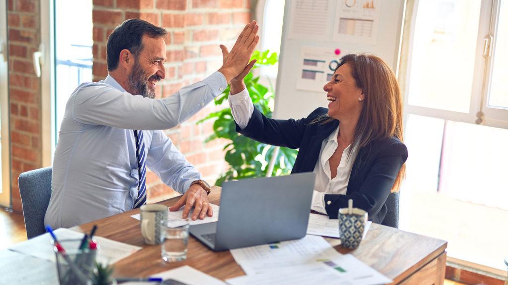 E-handlare som gör high five