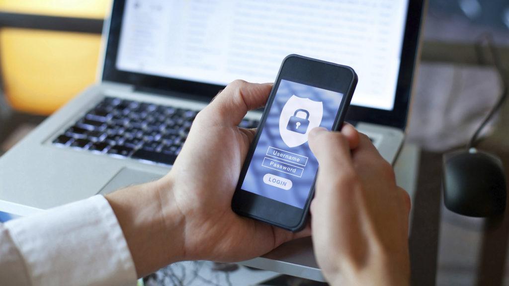 Cyberattackerna ökar och det händer att företag tvingas upphöra med sin verksamhet efter cyberangrepp.