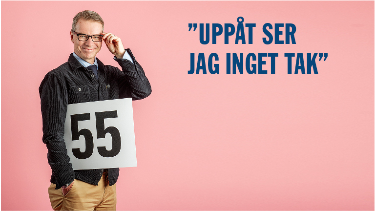 Jan Berkö håller i skylt med siffran 55.
