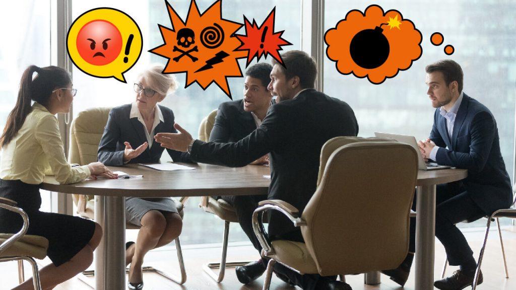 Ett gäng personer som sitter runt ett bord och diskuterar med allvarliga ansikten. Pratbubblor med