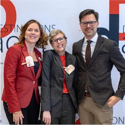Tillsammans med Anna Lakmaker, vd Destination Sigtuna, och Mathias Forsberg, näringslivschef Sigtuna kommun, ordnar Jennie Claesson Destinationsdagen.